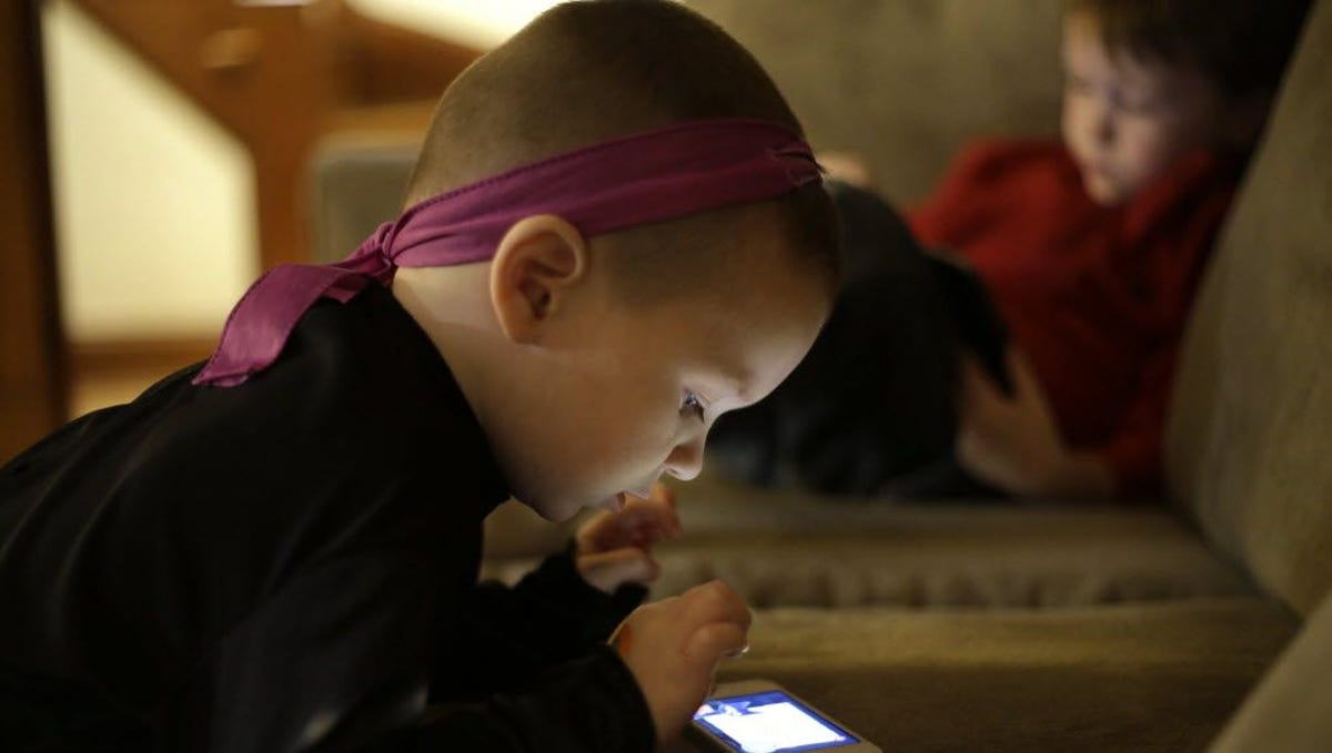What percent of kids are addicted to technology